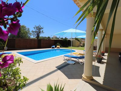 Photo for DOUBLE BEDROOM WITH BATHROOM in a superb villa, pool, A/C, Wi-Fi, close old town
