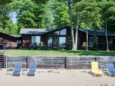 Private cabin on the sandy North Shore of AuTrain Lake! Beach Oasis and bonfires