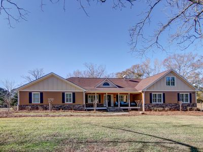 Photo for The Enclave - Oxford / Covington. Great locations and furnishings. 5 bed 3.5 bat