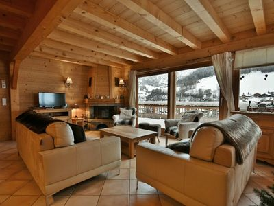 Photo for Luxury 86m² 4 bed apt, next to slopes, sleeps 8 with chimney  et  wifi!