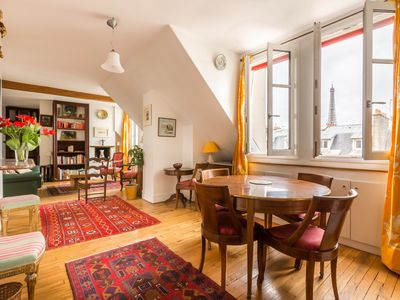 Photo for 3 bed apartment within walking distance to the Eiffel Tower (Veeve)