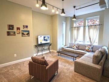New Convention Center Flat 3br 3ba