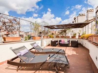 Photo for Small duplex apartment with a large terrace at the Pantheon