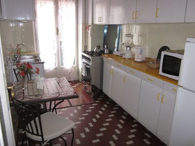 Photo for Trastevere, very nice flat 90mq (free wi-fi-A/C) perfect for family/friends