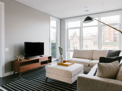 Photo for Lovely 2BR in Lakeview by Sonder