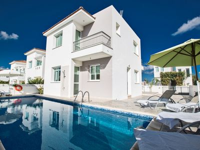 Photo for Villa Holly, Modern 4BDR Ayia Triada Villa with Private Pool, Close to the Beach