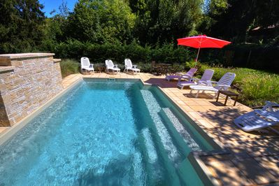 Relax by the Private Pool. Loads of Sun or Shade. Something to Suit Everyone.