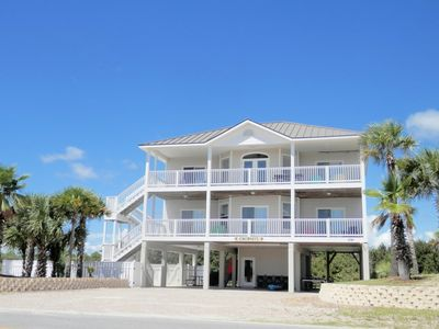 Welcome to Coconuts! Beach Chairs,Kayak, Bicycles, Gas & Charcoal Grill Included