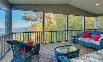 Screened porch with jaw-dropping views