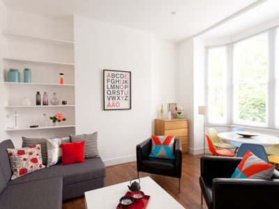 Photo for CHARMING 2BR 1BA APARTMENT 15 min to centre