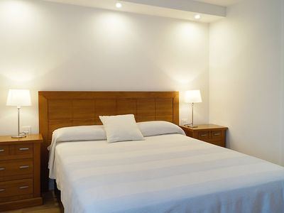 """Photo for Apartment a short walk away (219 m) from the """"Playa de La Fontanilla"""" in Marbella with Lift, Internet, Washing machine, Air conditioning (346479)"""