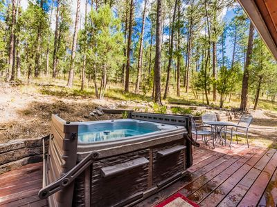 Photo for Deer Run: Adorable 2 Bedroom Upper Canyon Cabin with a Private Hot Tub!