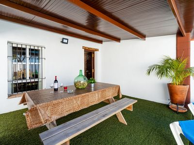 Photo for Modernly Furnished Holiday Home with Wi-Fi, Air Conditioning and Pool
