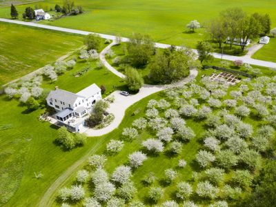 Photo for 360° mountain views from organic apple orchard near Middlebury, Vermont