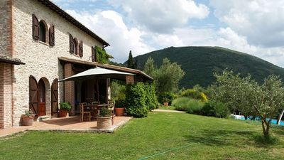 Photo for Umbrian Farmhouse with private pool sleeping up to 12 people.