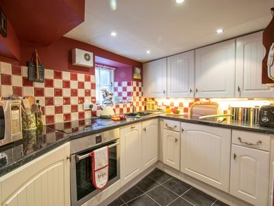 Prepare your evening meal in the well-equipped kitchen