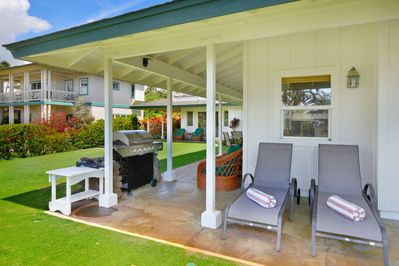 Want quiet? Relax in the shade on our1300 square feet of covered lanai