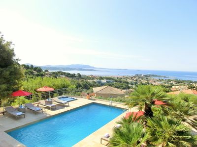 Photo for Villa Azur Golf Bandol 5 *****, sea view, quiet, close to city center, air conditioning, WIFI