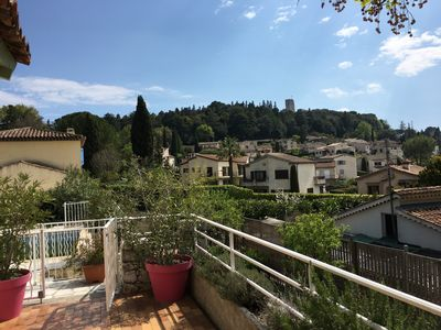 Photo for Beautiful Provencal villa of charm with beautiful views of village and castle