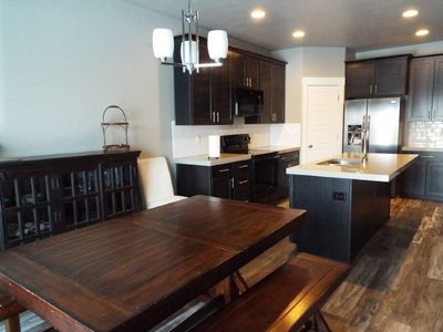 Photo for Beautiful new home with easy access to I-15. Close to everything!