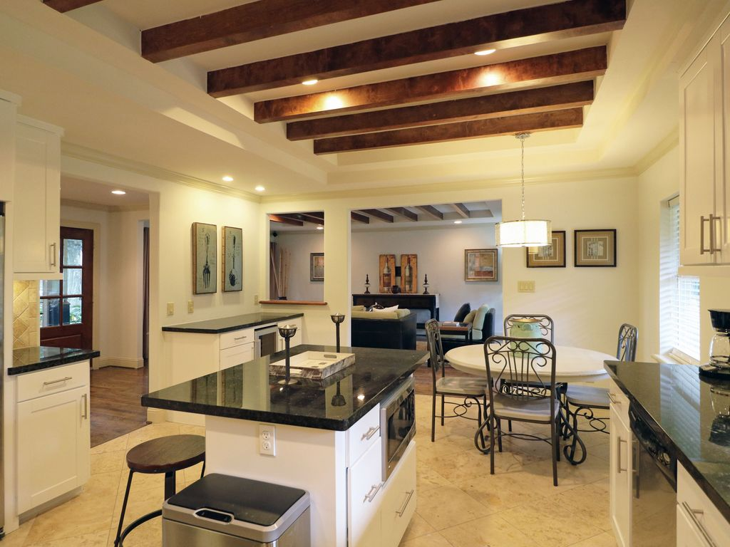 4BR Houston Galleria Home Rental Luxury Medical Center Discounted Monthly Rate