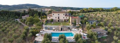 Photo for Nice apartment in villa for 2 guests with pool, WIFI, TV, terrace and parking