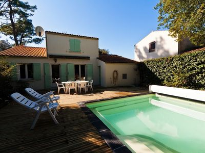 Photo for Villa 4 rooms classified with heated pool in quiet residential area