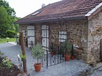 Spacious rustic gite in quiet countryside