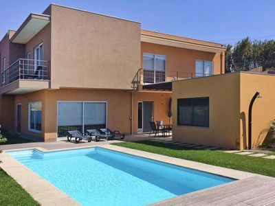Photo for Semi-detached house , Vila Chã  in Costa Verde - 6 persons, 4 bedrooms