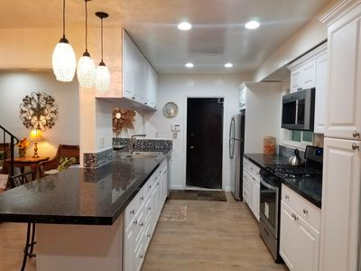 ELEGANT KITCHEN WITH GRANITE COUNTERS, ALL NEW EVERYTHING!