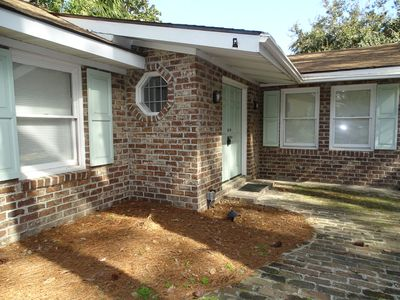 Loblolly Cottage - Cute brick, one level cottage in quiet residential area.