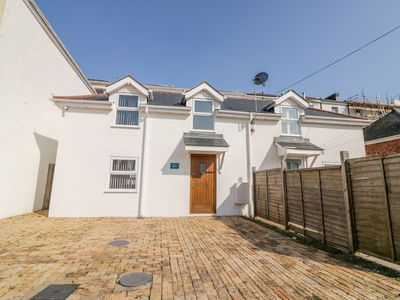 Photo for BROADSANDS COTTAGE, pet friendly in Paignton, Ref 1005310