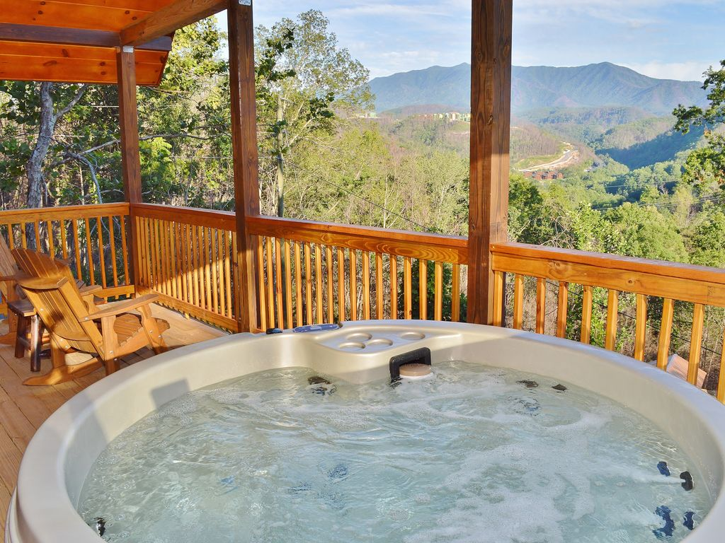 here tub from rentals gatlinburg cabin hot mountain goes tn ht in magnolia with gallery cabins smoky sugar title cf
