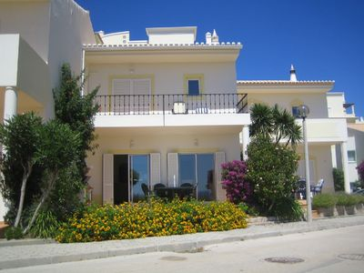Photo for Magnificent 2 Bed Town House overlooking the beach at Meia Praia