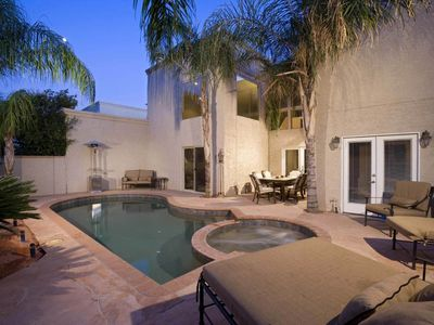 "Photo for ""NEW LISTING"" POOL & SPA - BBQ - 12 BEDS - BEAUTIFUL WALKING & BIKING TRAILS - SPLIT MASTER BEDROOMS"