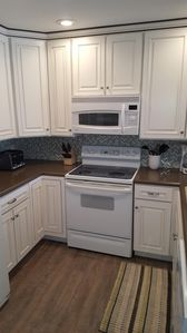 "Gorgeous New Kitchen w/ 42"" Cabinets"