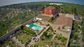 Amazing 10 Bedroom Villa with Pool on the Historic Appian Way