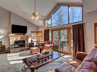 Photo for Private hot tub, quick walk to ski lifts and downtown! Beautiful decor, and quiet!