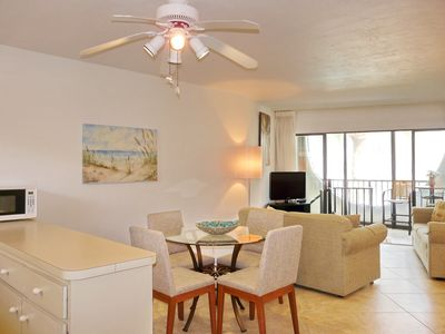 Photo for Cabana-style condo in waterfront community w/ short walk to Olde Marco