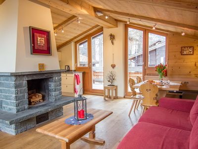 Photo for Luxurious Chalet With 3 En-Suite Bedroom And Spacious Open Plan Living Area