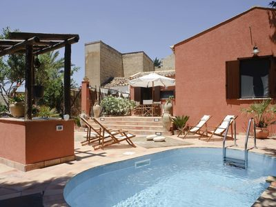 Photo for Typical Sicilian villa with beautiful garden, pool and outdoor shower