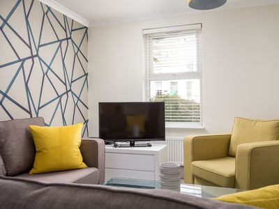 Photo for Luxury 5 Bedroom House Close To John Lewis