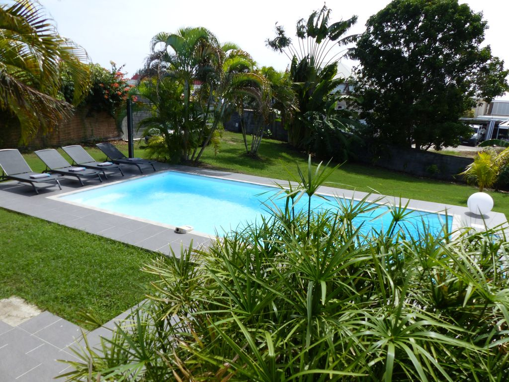 Villa tortuga 4 jardin tropical calme piscine au sel for Jardin tropical guadeloupe