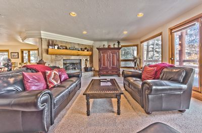Spacious Living Room on Main Level with Flat Screen TV, DVD, Gas Fireplace, and Deck