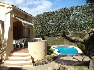 Photo for House with private pool for 5 poeple approx 600 m from the beach in L'Escala