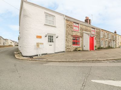 Photo for CORNERWAYS COTTAGE, pet friendly in St Mawes, Ref 998498