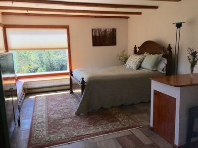 SCENIC ONE BEDROOM ROOM W/ PRIVATE ENTRANCE/ BATH & POOL!
