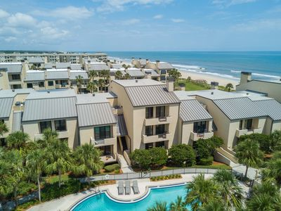 Photo for Oceanfront Condo, Beautiful Views of Ocean and Swimming Pool