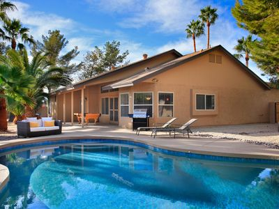 Photo for Resort like yard! Heated pool,spa,sand volleyball court and minutes to Kierland!