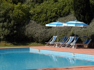 Photo for Beautiful apartment with WIFI, pool, TV, pets allowed and parking, close to San Gimignano